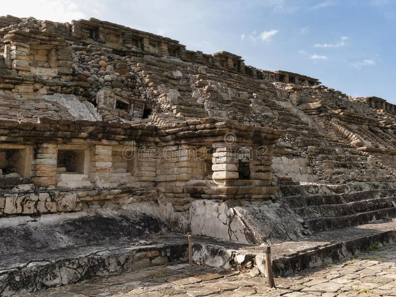 Pyramider av El Tajin royaltyfri bild