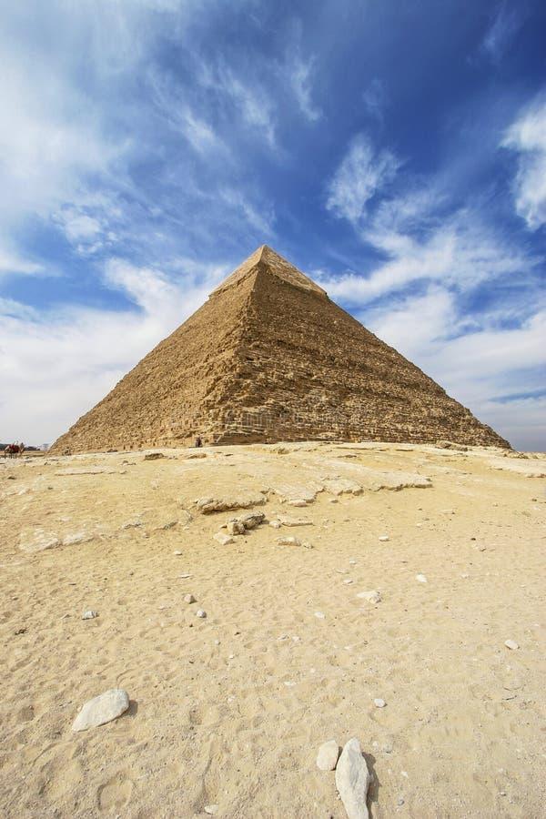 Pyramider av Giza - pyramid av Khafre i Egypten royaltyfria bilder
