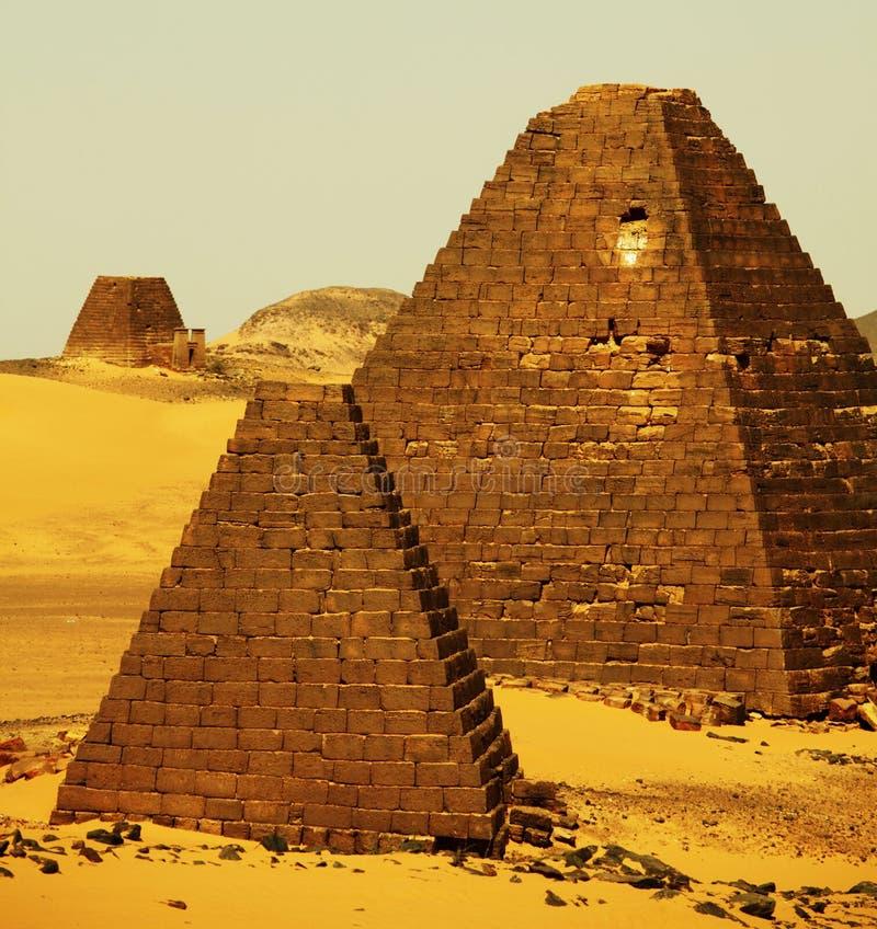 pyramider sudan royaltyfria foton