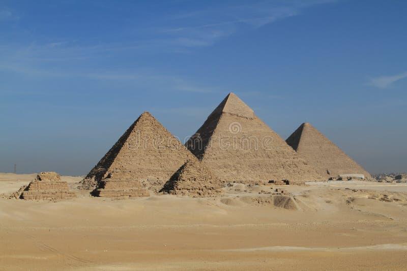 Pyramiderna och sfinxen av Egypten royaltyfria bilder