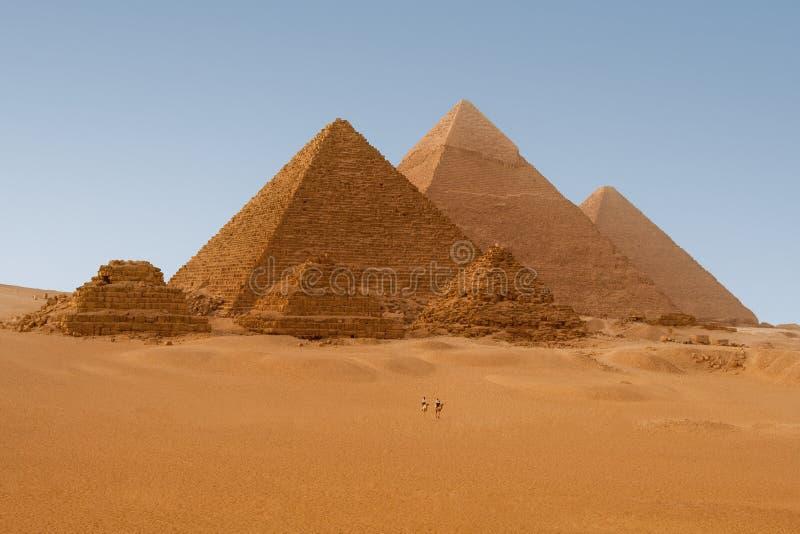 Pyramides égyptiennes à Giza image libre de droits