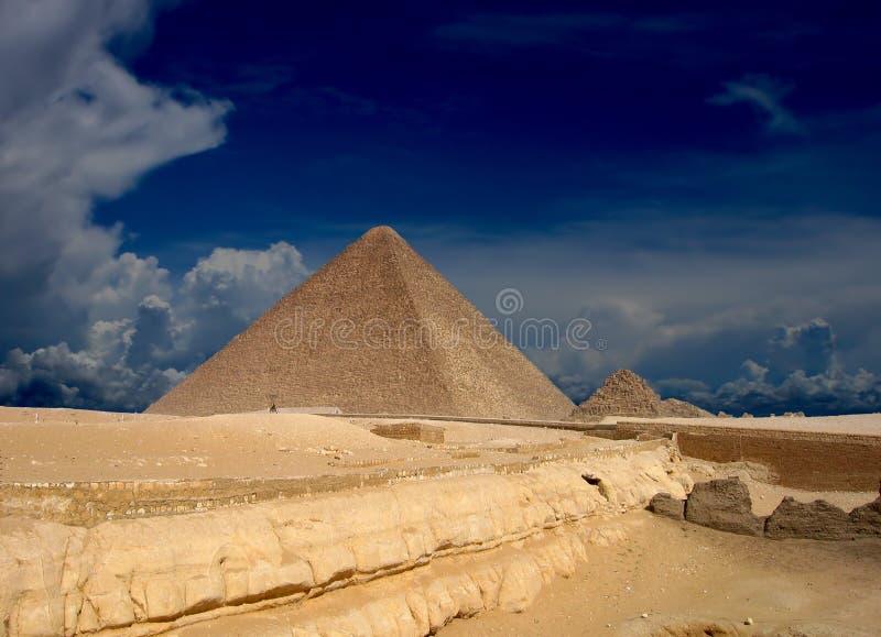 pyramides image stock
