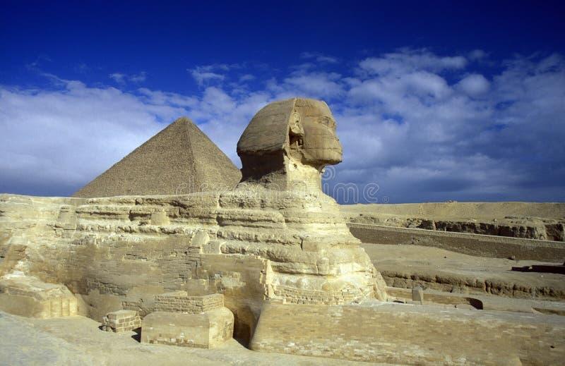 PYRAMIDES DE L'AFRIQUE EGYPTE LE CAIRE GIZEH image stock