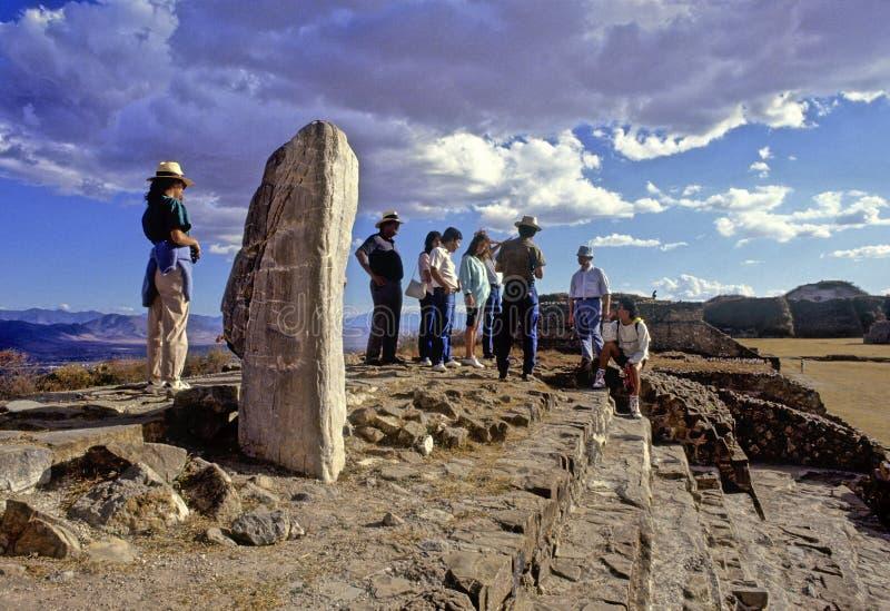 Pyramides de Monte Alban images stock