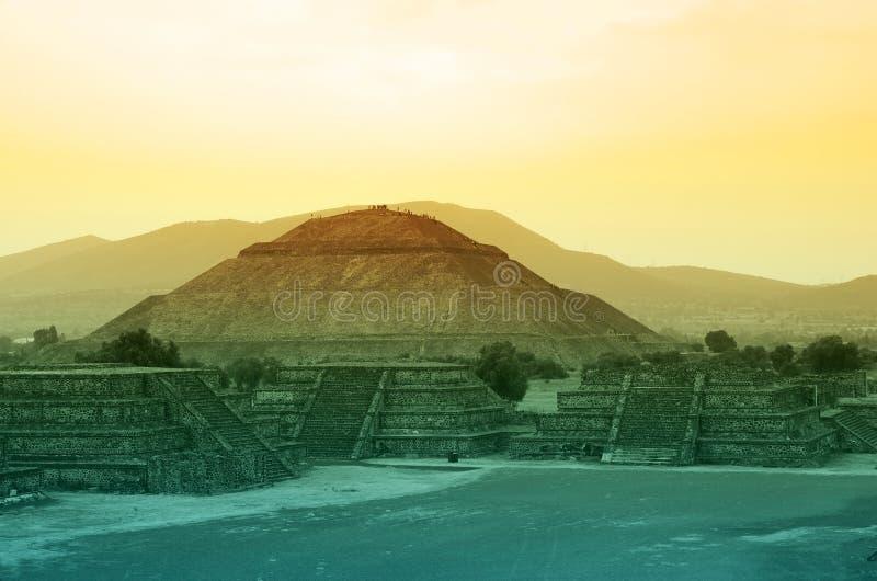 Pyramides de Teotihuacan photos stock