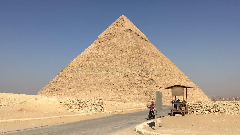 Pyramides no kairo fotos de stock