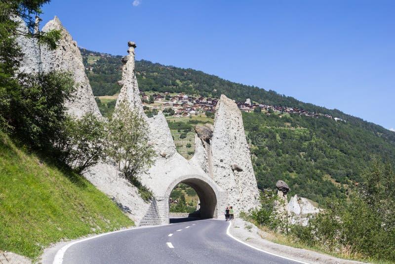 Pyramides van Euseigne of de rotsvormingen van de feeschoorsteen in Zwitserse Alp stock fotografie