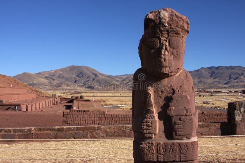 pyramidstatytiwanaku arkivbild