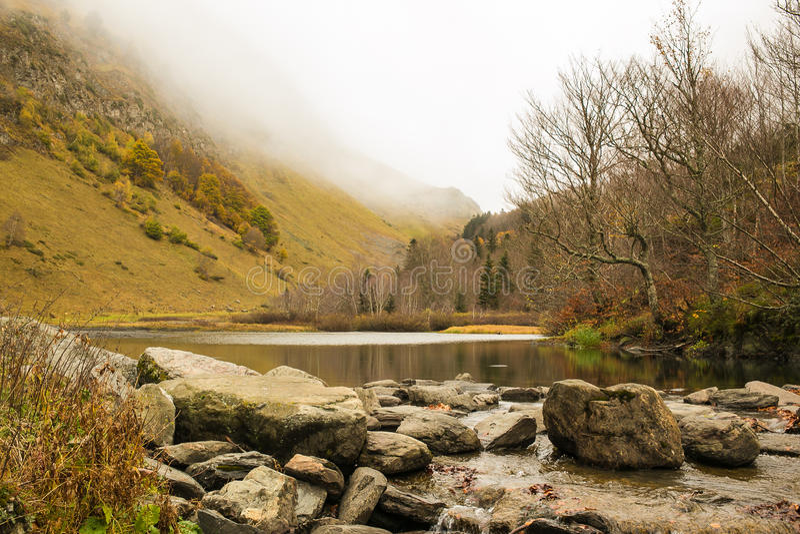Pyrenäen-Landschaften lizenzfreie stockfotos