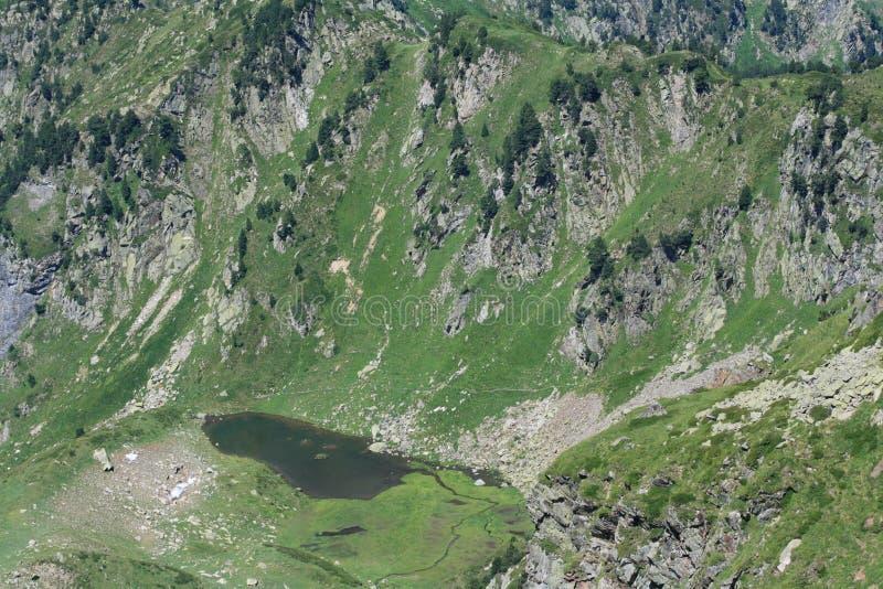Pyrenean See in Ariège stockfotos
