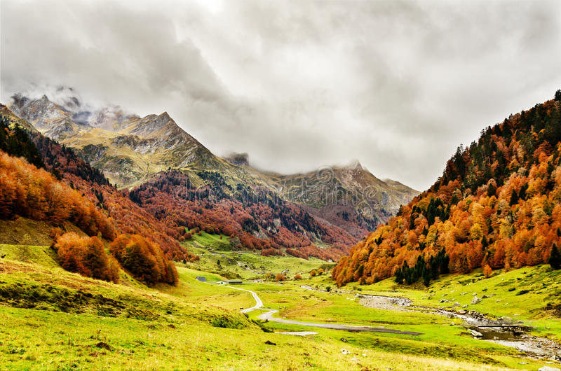 Pyrenees Atlantiques royaltyfri fotografi