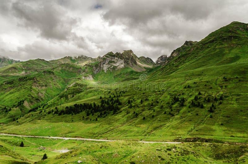 Pyrenees berglandskap arkivbild