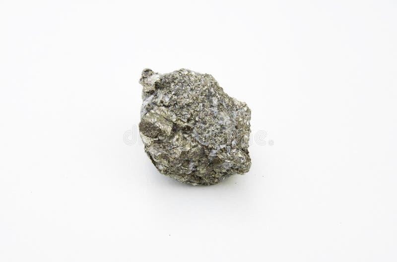 Pyritmineral lokalisiert über Weiß lizenzfreies stockfoto