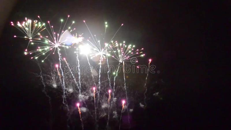 Pyrotechnie выдумкы feu фейерверков акции видеоматериалы