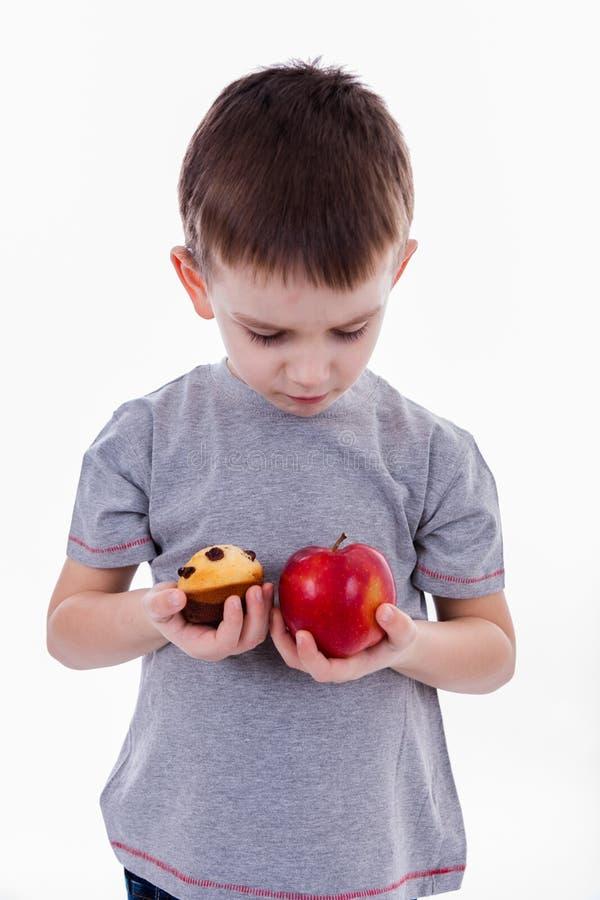 Pys med mat som isoleras på vit bakgrund - äpple eller A M. royaltyfri fotografi