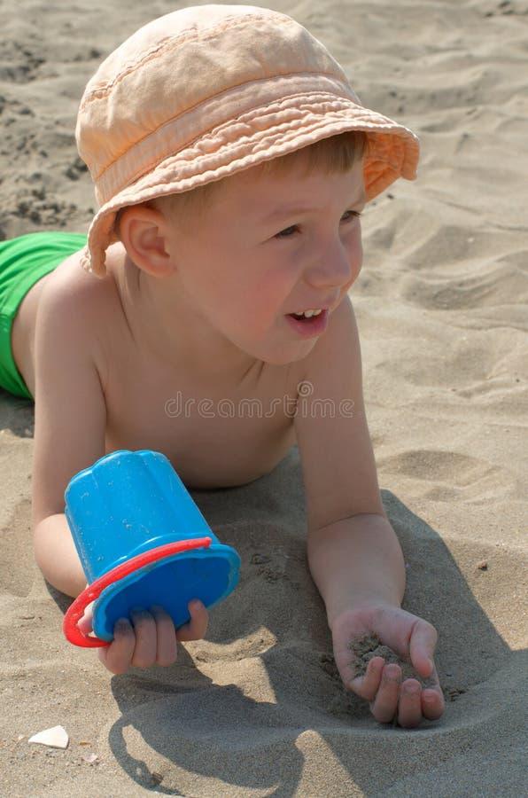 Pys på stranden fotografering för bildbyråer