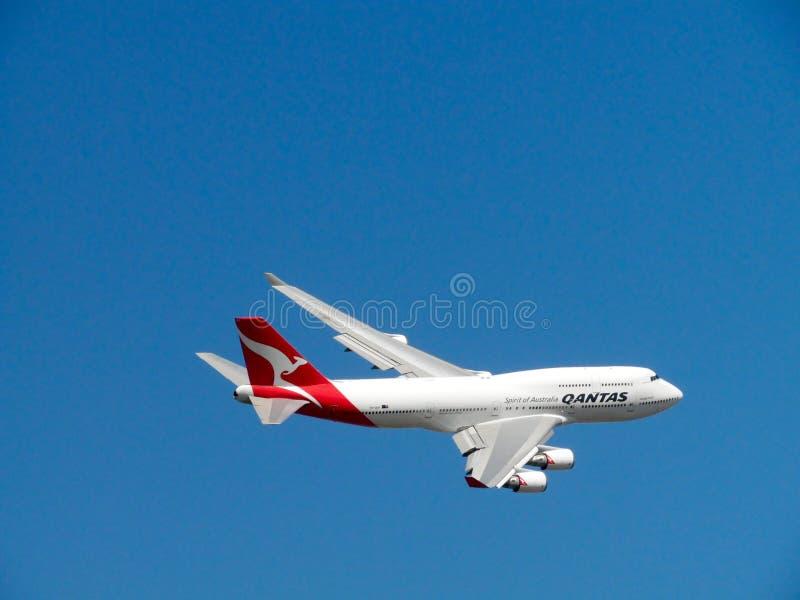 Qantas Airlines Plane On Air Free Public Domain Cc0 Image