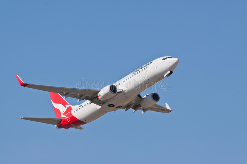 Download Qantas Boeing 737 VH VZX editorial image. Image of airliner - 27613810