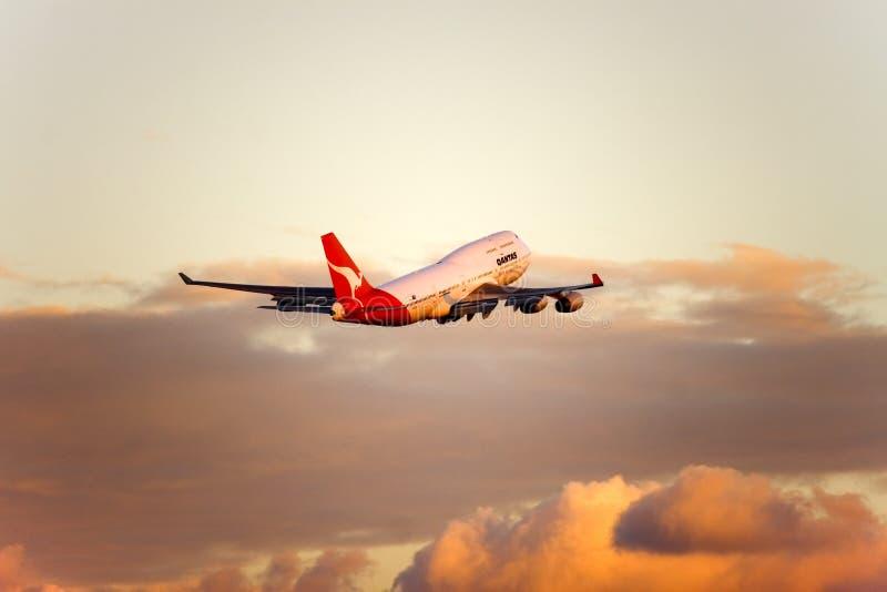 Qantas Boeing 747 Strahl im Flug lizenzfreies stockfoto