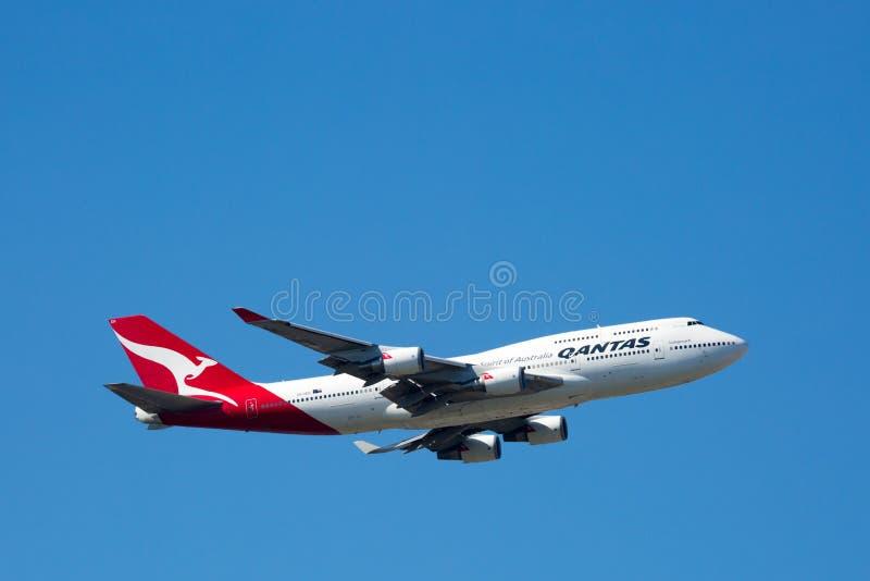 Download Qantas Boeing 747-400 Volant Photo stock éditorial - Image du commercial, moteurs: 87708738
