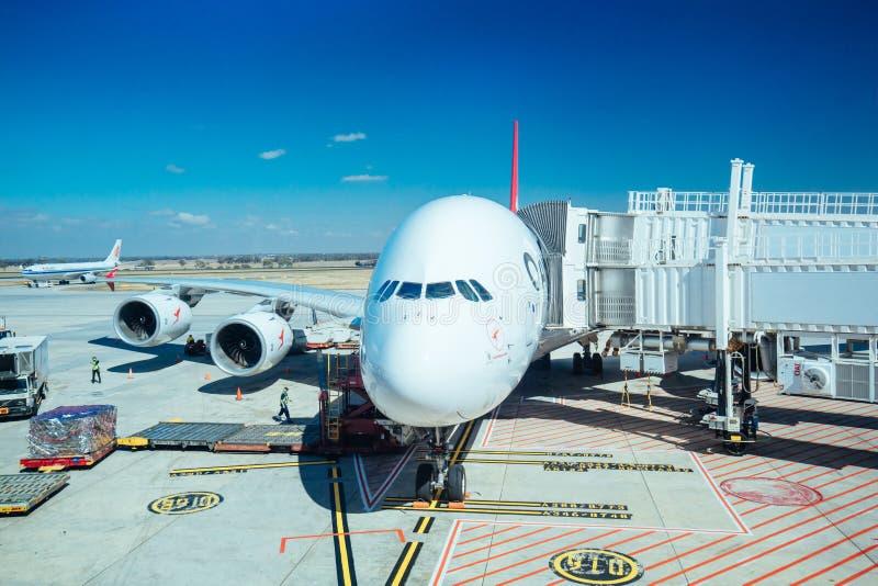 Qantas A380 no aeroporto Austrália de Melbourne foto de stock