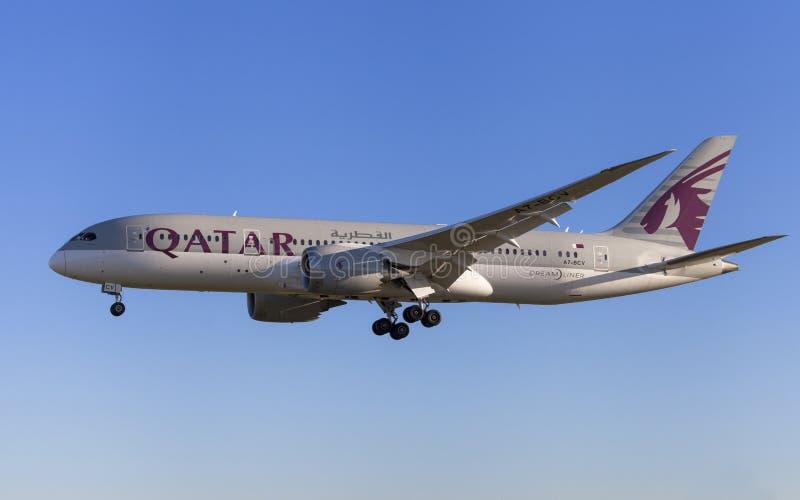 Qatar Airways Boeing 787-8 Dreamliner image stock