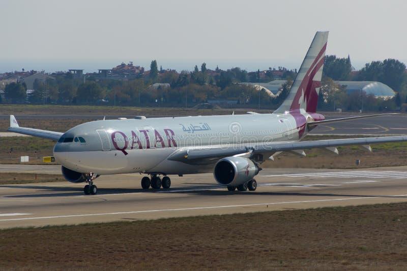 Qatar Airways-Luchtbus stock afbeeldingen