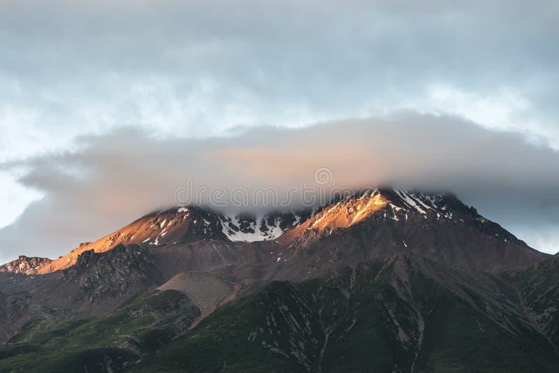 Qilian, paysage de montagne de neige de la Chine photo libre de droits
