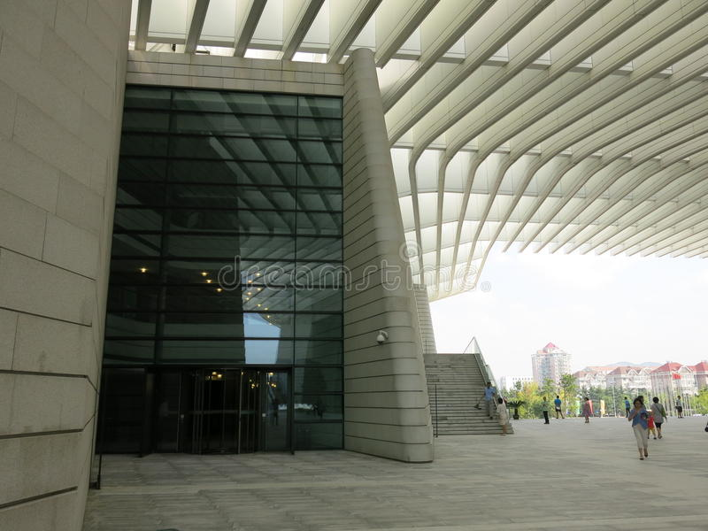 Qingdao tusen dollarteater arkivbild