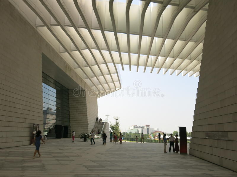 Qingdao tusen dollarteater royaltyfria foton