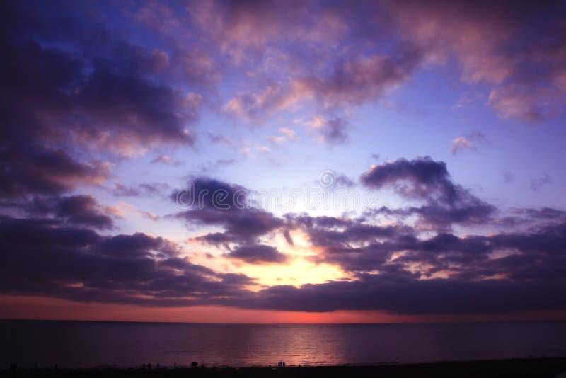 Qinghaimeer en hemel in zonsopgang stock foto's
