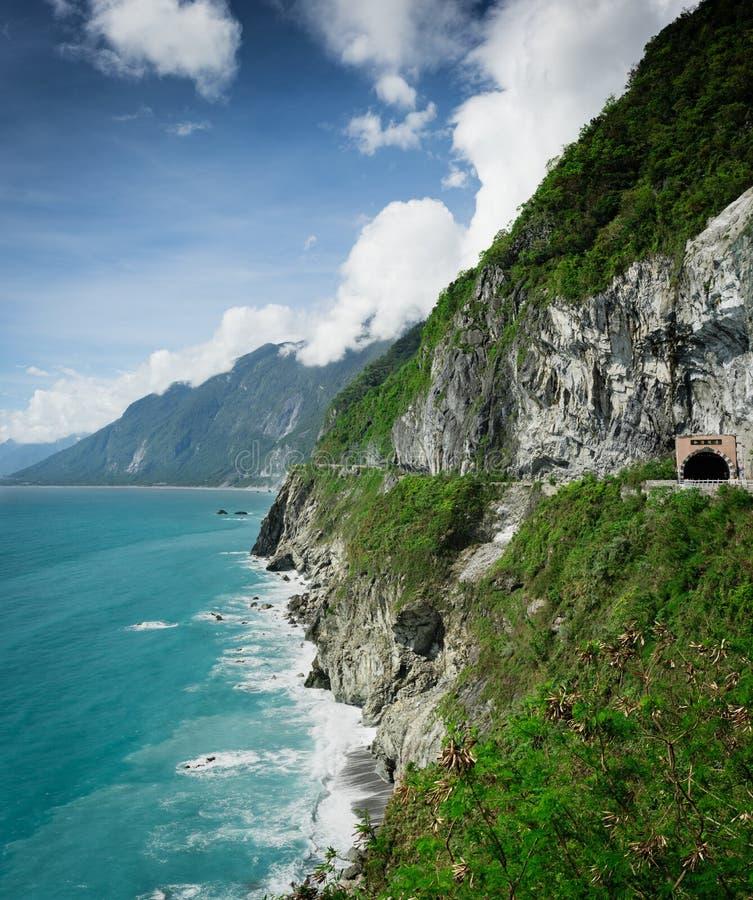 Qingshui klippor i det Hualien landet, ostkust Taiwan royaltyfria foton
