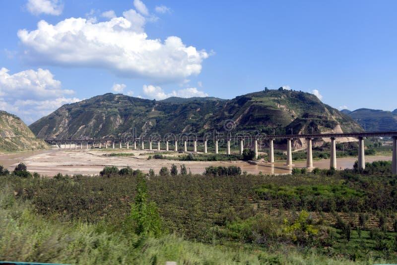Qinling góry: sceneria na północnej południowej granicie Chiny fotografia royalty free