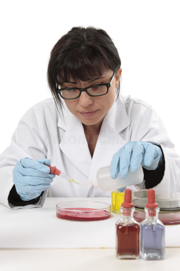Químico del científico en el trabajo imágenes de archivo libres de regalías