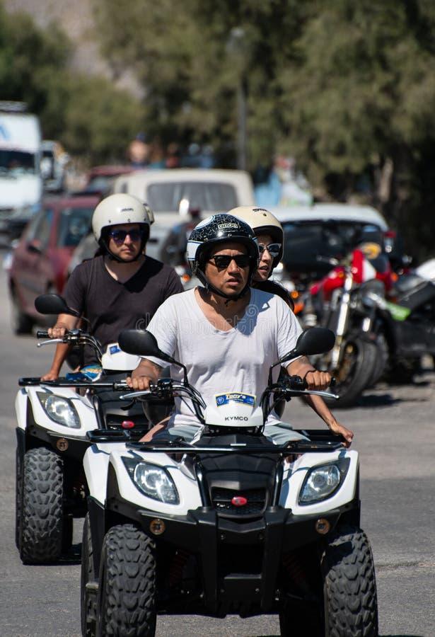 Quad-Biker in der Sonne lizenzfreies stockfoto