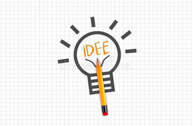 Quad- oder Vierkantpapier mit Bleistiftzwiebel oder Glühbirne mit Ideengesicht stockfoto