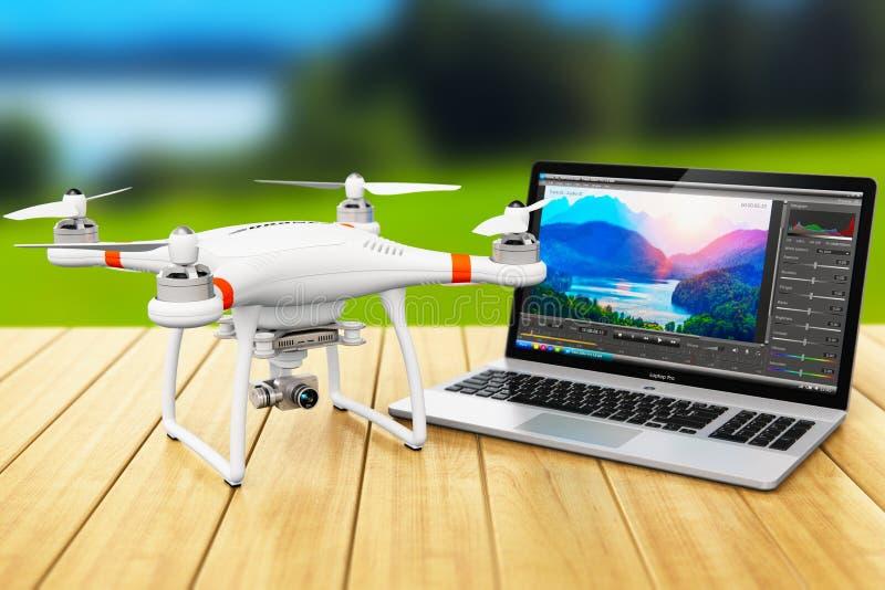 Quadcopterhommel en laptop met videosoftware in openlucht royalty-vrije illustratie