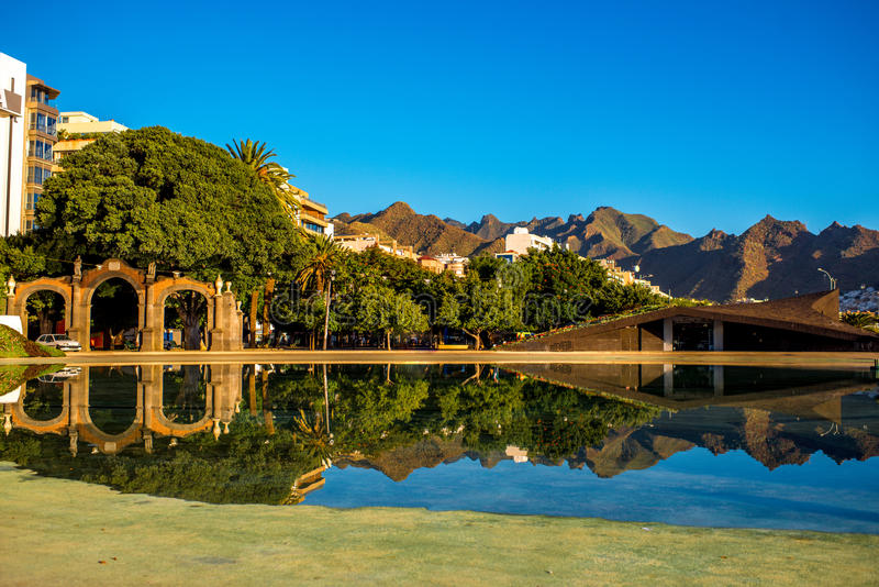 Quadrado da Espanha em Santa Cruz foto de stock royalty free