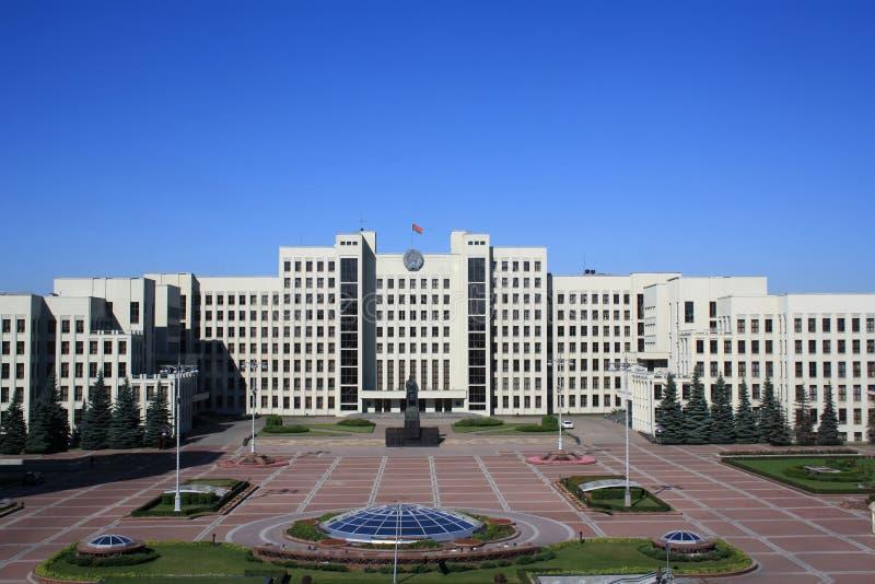 Quadrado da independência em Minsk foto de stock