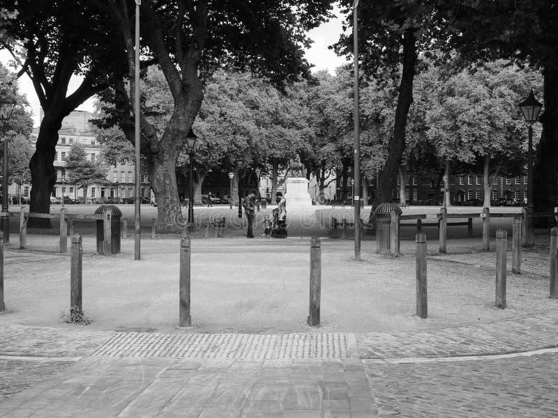 Quadrado da rainha em Bristol em preto e branco imagem de stock