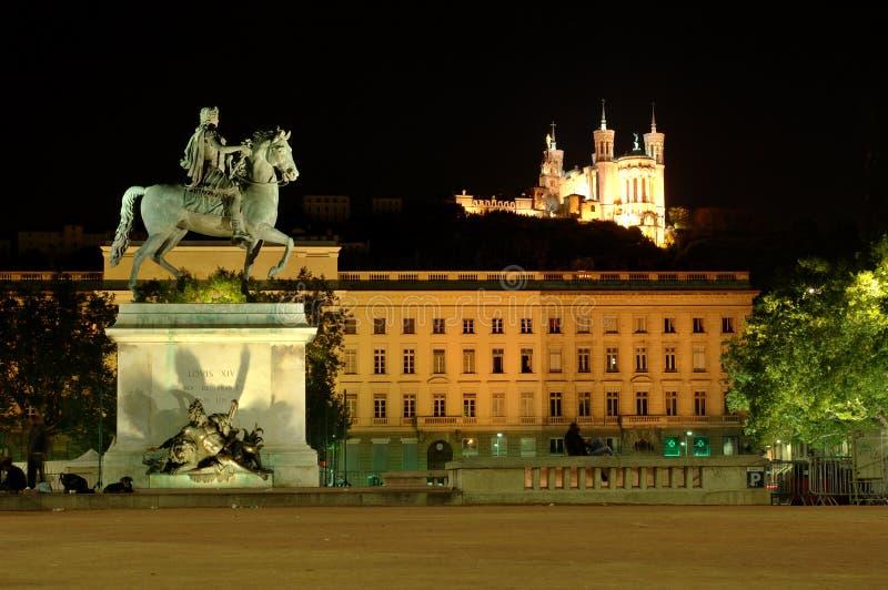 Quadrado de Bellecour na noite (France) imagens de stock royalty free