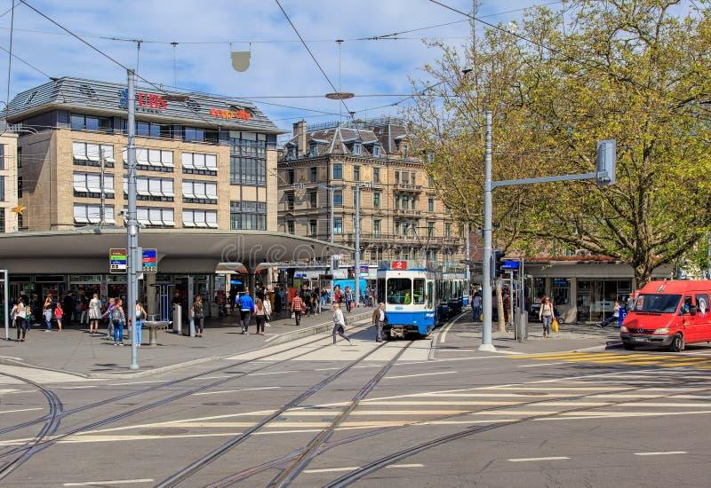 Quadrado de Bellevue em Zurique, Suíça foto de stock royalty free