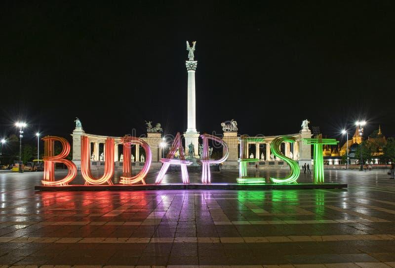 Quadrado de Budapest/heróis fotografia de stock