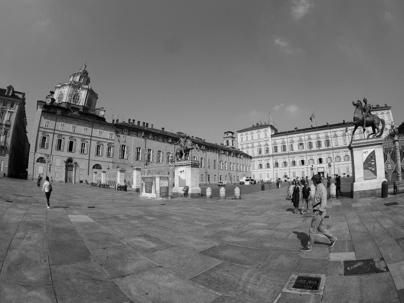 Quadrado de Castello da praça em Turin visto com fisheye no preto e no w fotos de stock