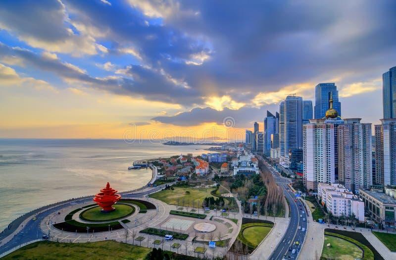 Quadrado de cidade em Qingdao foto de stock royalty free