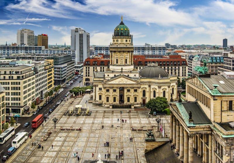 Quadrado de Gendarmenmarkt em Berlim fotografia de stock