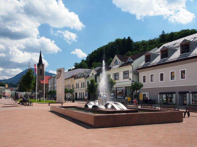 Quadrado de Hviezdoslav em Dolny Kubin fotografia de stock royalty free