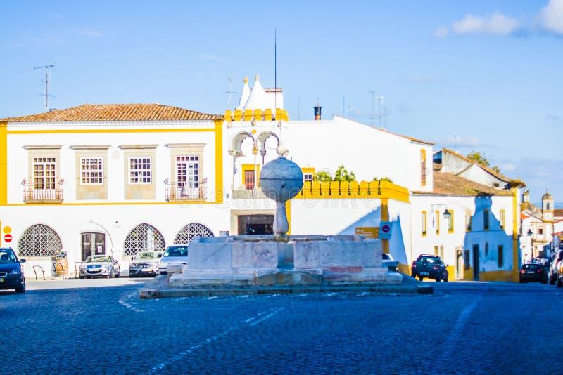 Quadrado de Porta de Moura, vora do ‰ de Ã, Portugal imagem de stock
