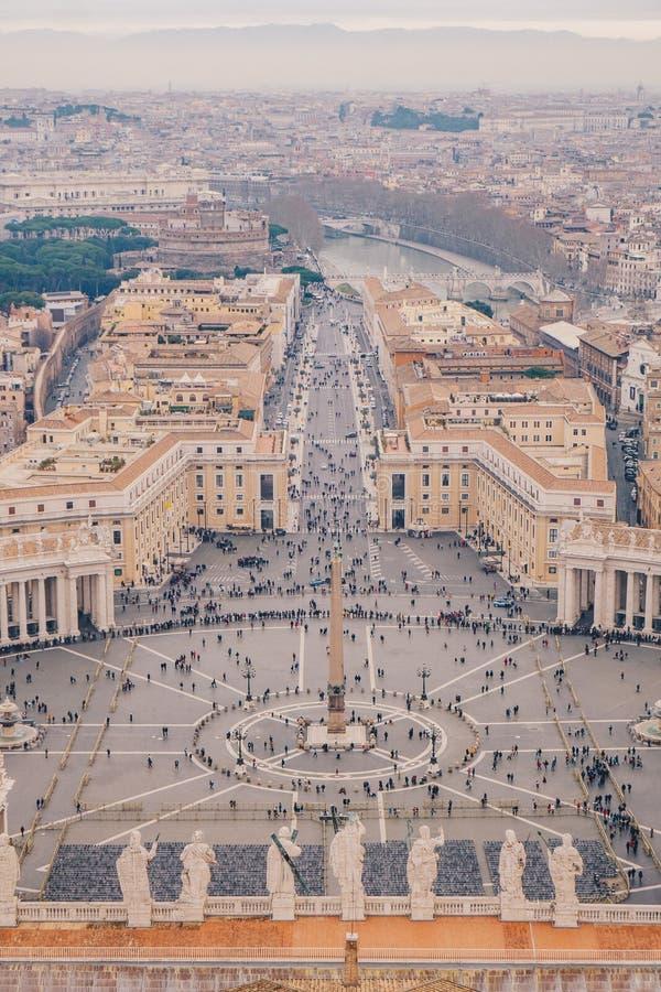 Quadrado de Roma St Peters como considerado de cima da vista aérea em Roma, fotos de stock