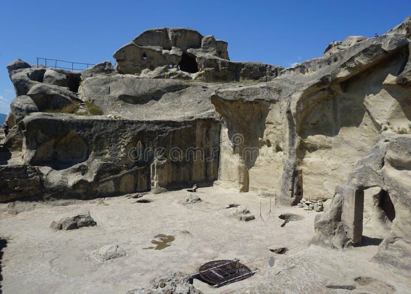 Quadrado de Uplistsikhe completo das rochas e dos Carvings fotos de stock